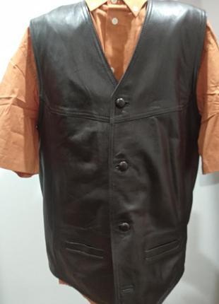 Кожаный мужской жилет  valentino  v pelle