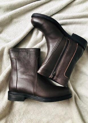 Женские темно-коричневые кожаные зимние ботинки