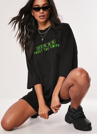 Missguided, платье футболка с неоновой надписью. оверсайз