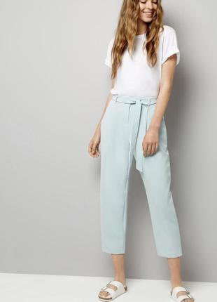 Нереально нежные мятные брюки бананы на высокой талии