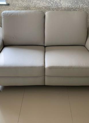 Новий двохмісний шкіряний диван двухмесный кожаный диван