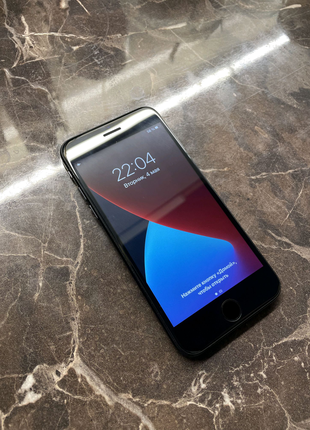 Apple iPhone 7 32 GB newerlock