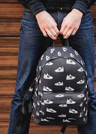 Стильный городской рюкзак кеды