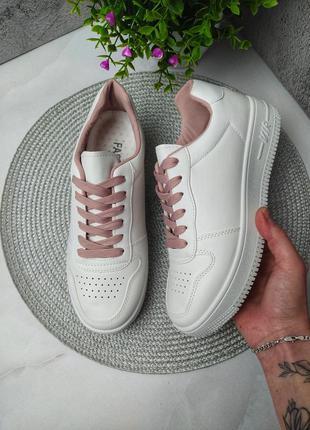 Стильные женские белые кроссовки air