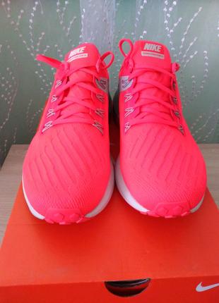 Продам нові оригінальні кросівки Nike AIR ZOOM STRUCTURE 22.