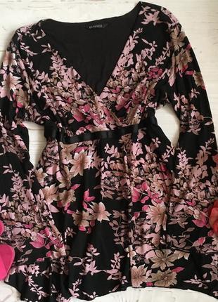 Блуза с декольте на запах 3xl-4xl в цветочный принт!