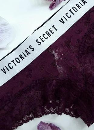 Трусики cheeky victoria's secret с кружевом сливового цвета