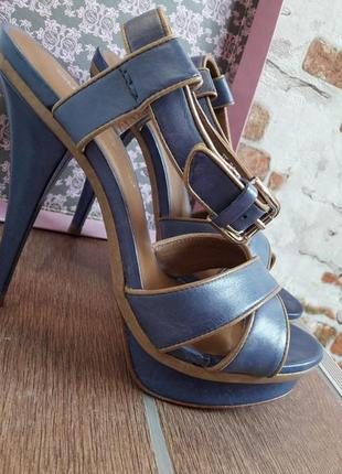 Босоножки carlo pazolini на высоком каблуке синие