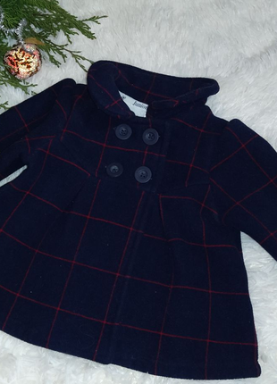 Модное теплое пальто для малышки