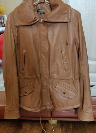Massimo Duttiжіноча шкіряна курточка