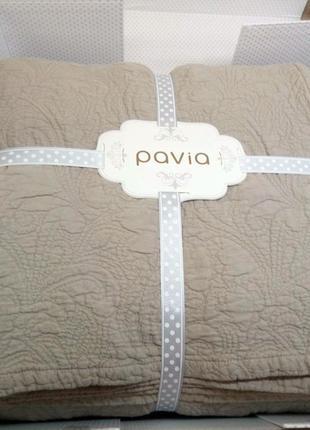 Покрывало 240*260 с наволочками 50*70-2шт фирмы  PAVIA