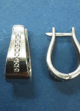 Женские серебряные серьги с дорожкой из фианитов