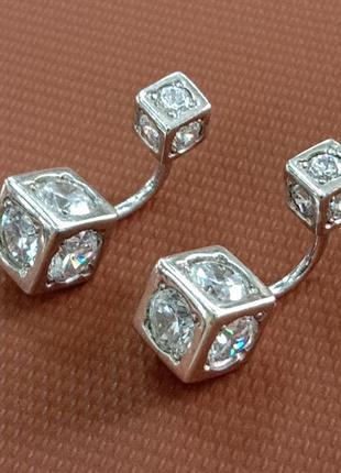 Серебряные женские серьги гвоздики кубики с закатанными в них...