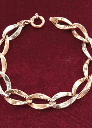 Декоративный комбинированный золотой женский браслет