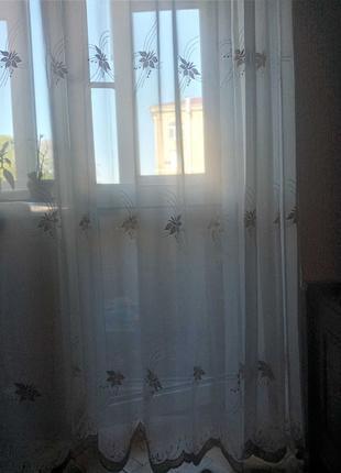 Тюль на окно в комнату