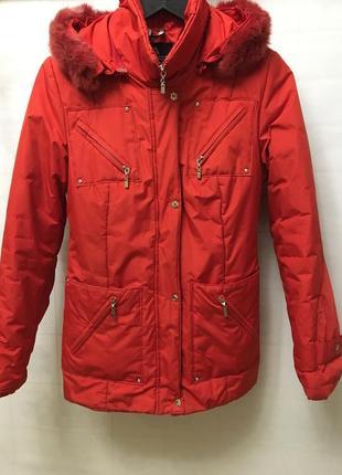 Куртка красная, зимняя, женская, или подростковая