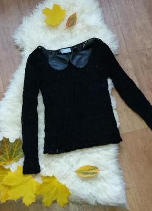 Блузка гипюровая с воротником с эко кожи