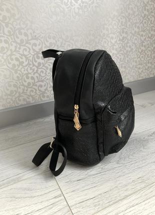 Классный рюкзак,новый!!!