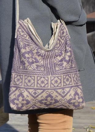 Текстильная сумка с ручной вышивкой
