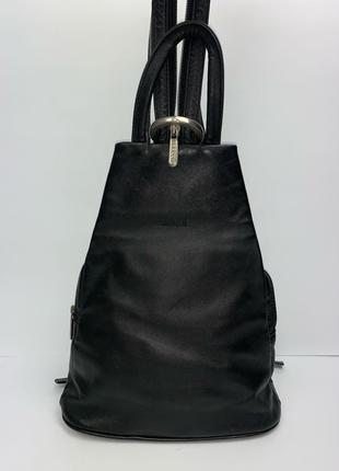 Кожаный фирменный городской рюкзак Dericci.