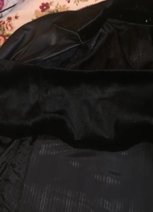 кожана курточка новая