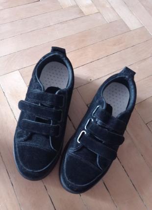 Кеды, лоферы, кроссовки, черные лоферы