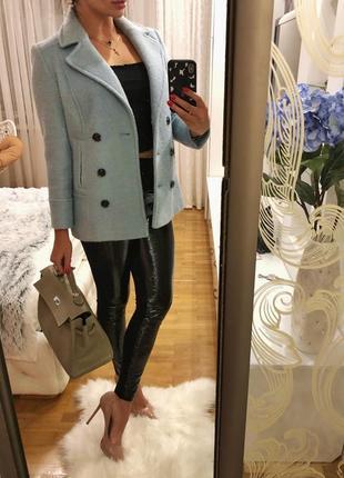 Шикарное теплое пальто голубое размер м натуральная шерсть