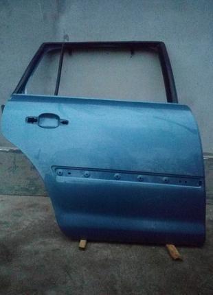 Двері задні праві Citroen C4 Picasso