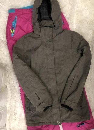 Новая куртка лыжная  для сноуборда first b размер m -l