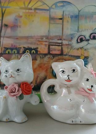 Винтажные статуэтки фарфоровых котиков