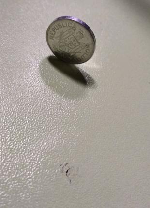 Монета 10 Bani 2013 года