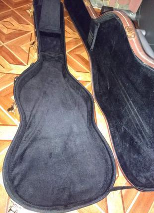 Продам кофр для бас гитары 1 800 грн.