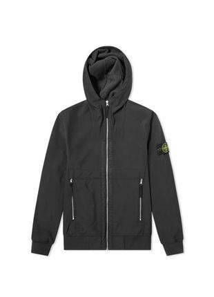 Куртка с капюшоном из soft shell-r