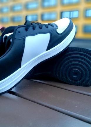 Распродажа !!! мужские кроссовки чёрно-белые
