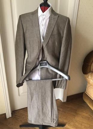 Отличный льняной деловой мужской костюм