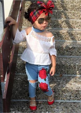 Костюм джинсы розы шикарный бахрома стильный протертости
