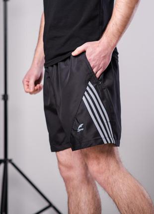 Мужские спортивные черные шорты из плащевки