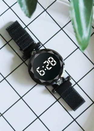 Женские наручные часы светодиодные