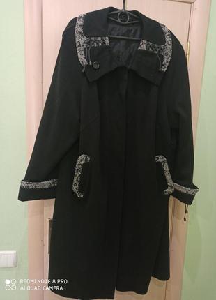 Шерстяное теплое пальто большого размера
