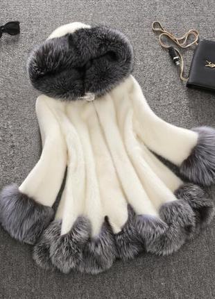 Пушистое пальто (искусственный мех)