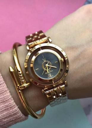 Миниатюрные женские часы золотые