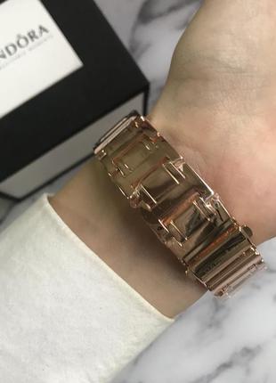 Женские часы в розовом золоте