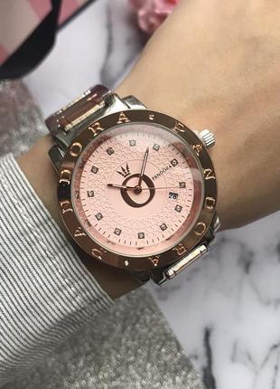 Женские часы с розовым циферблатом