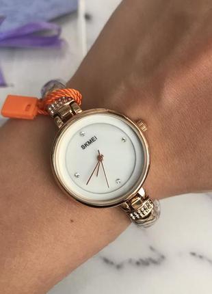 Женские наручные часы браслет в розовом золоте