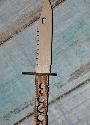 Штык нож из фанеры