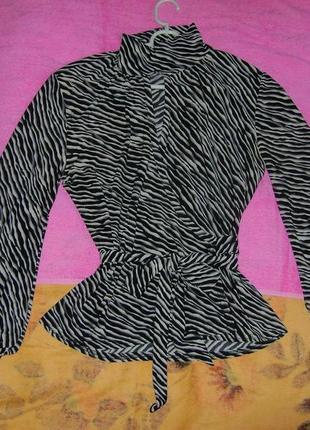 Блуза с животным принтом, фасон - полочка за полочку