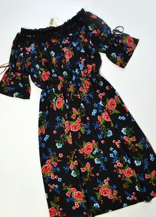 Роскошное платье миди с кружевом и в принт цветы