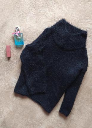 Черный пушистый оверсайз свитер травка с объемным горлом