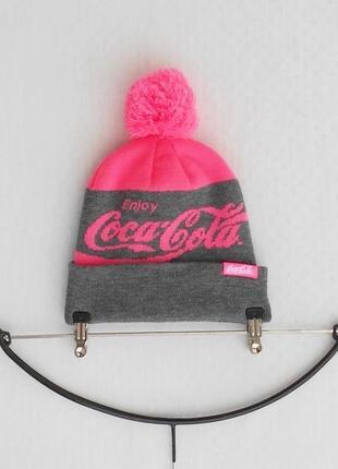 Зимняя вязаная  шапка с помпоном с бубоном