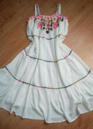 Шикарное платье миди с вышивкой и вырезом на спине свободного ...